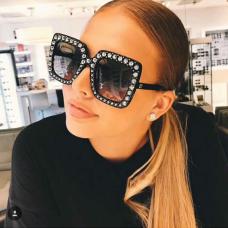 Stylish Grey Plastic Sunglasses